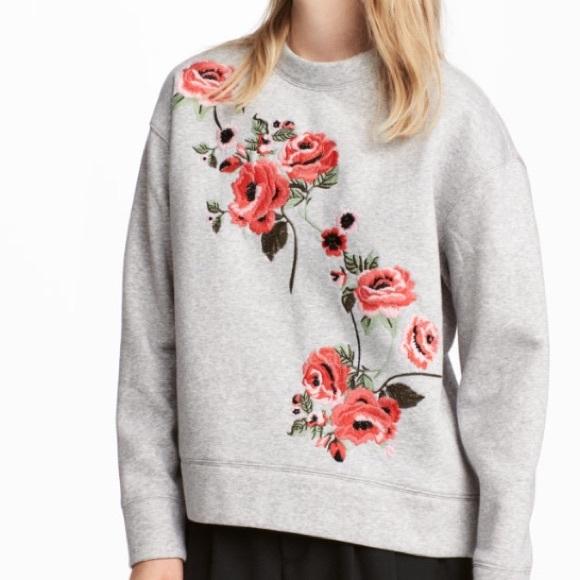 d5814c9ef6 H&M Embroidered Floral Sweatshirt